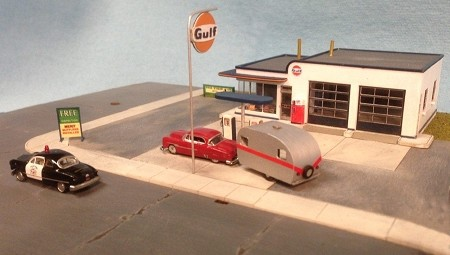 N Scale: 1950s Gas Station