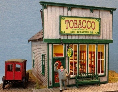 N Scale: Stu's Tobacco Shop